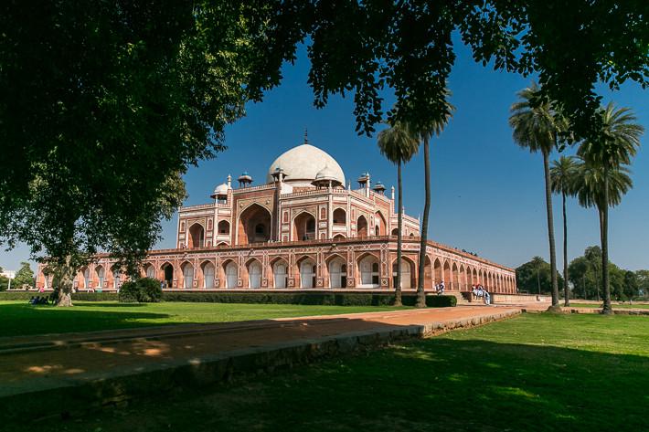 Unser Lieblingsplatz im Schatten mit Blick auf das Mausoleum.