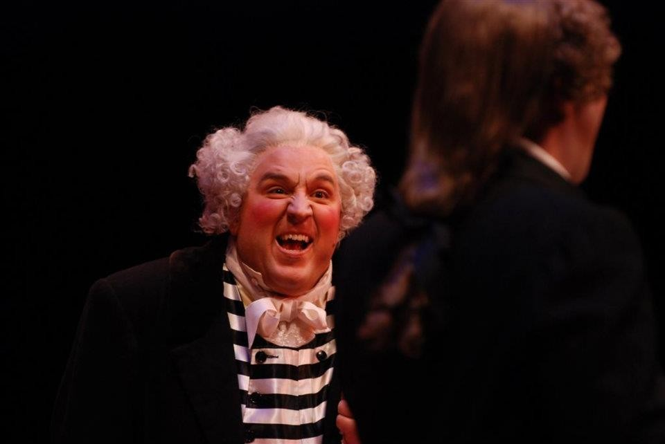 Hamilton Opera Barber of Seville dir. Gordon Gerard credit photo Peter Oleskevich