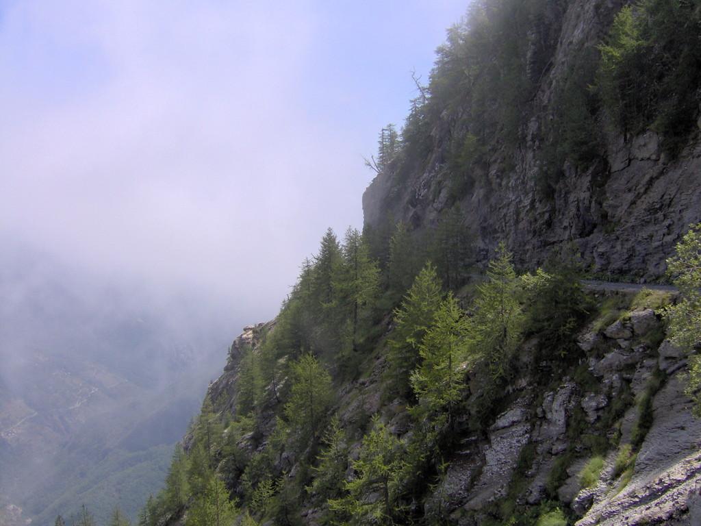 und geben den Blick frei auf die spektakuläre Landschaft
