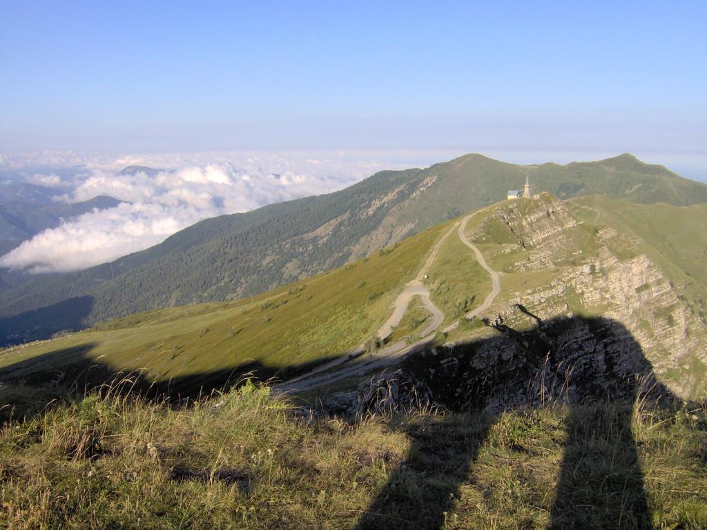 bis wir auf dem Monte Saccarello (2200m) unser Nachtlager aufschlagen