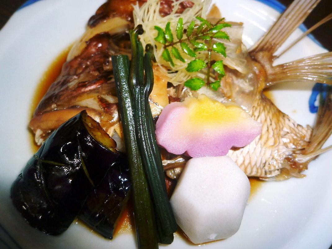 天然鯛のかぶと煮