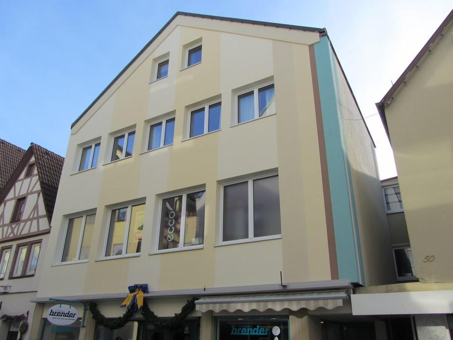 Fassade mit WDVS und Gestaltung nachher