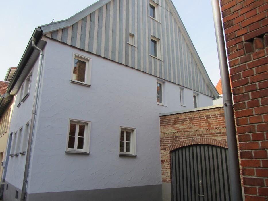 Fassade mit Holzverschalung