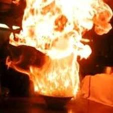 ねぎラーメン爆発   http://www.fireramen.com/en/index.html
