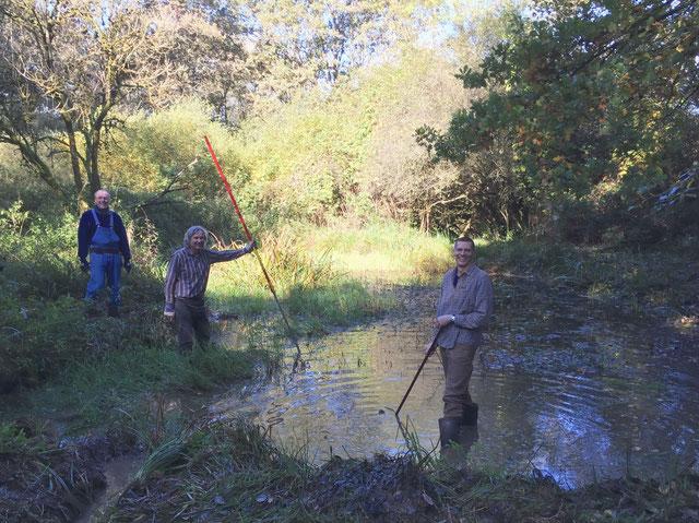 Ehrenamtliche NABU-Mitglieder packen an für die Natur (Foto NABU Eppstein)
