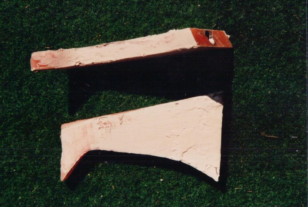 Mastteile aus Kunststoff (siehe Info-Bereich)
