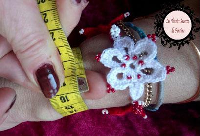 comment mesurer mon tour de poignet pour la réalisation d'un bracelet à l'aide d'un mètre ruban, d'un lacet...