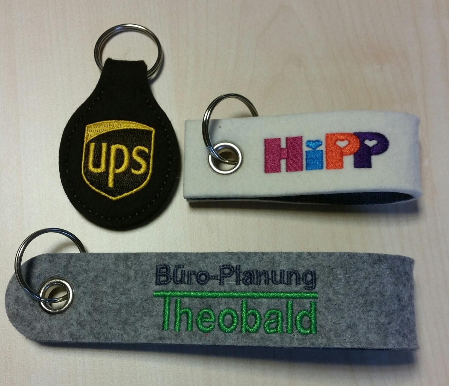 Schlüsselanhänger Stick mehrfarbig