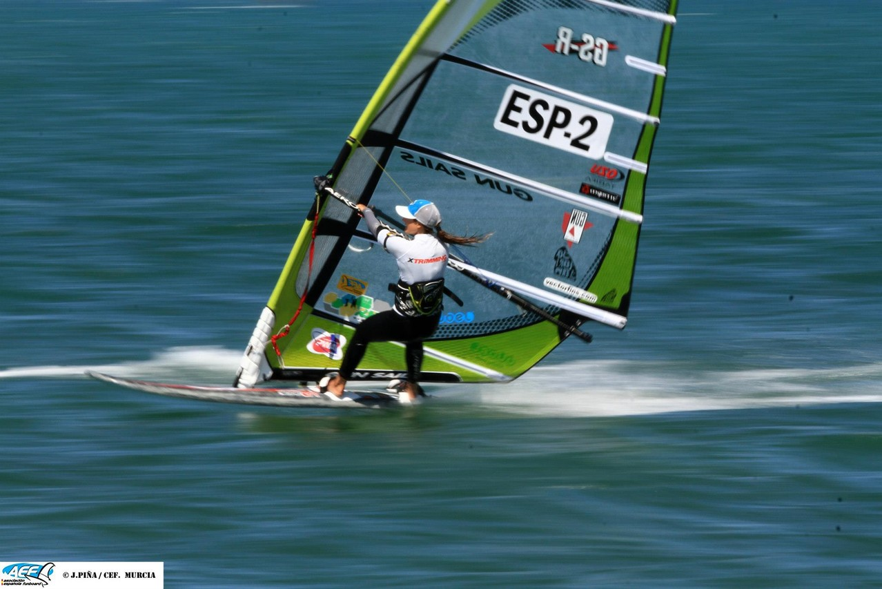 Full speed with the Gun Sails GS-R 9,7 and the Reptile mast Green Mamba 100% on the Isonic 107, such a good feeling!