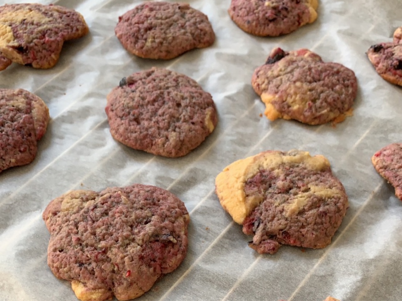 Cookies with berries