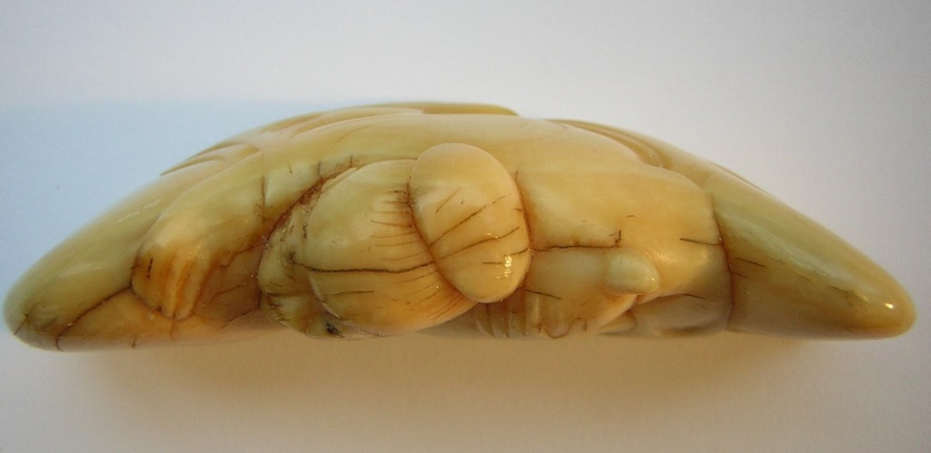 Netsuke 1234 Katabori Mann mit grosser Kalabasse Elfenbein Edo 1740/50 40,5 g unsigniert EUR 889,00