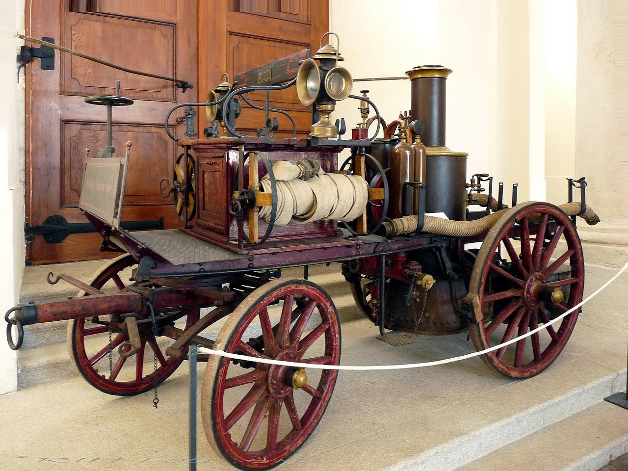 historischer Spritzen Wagen
