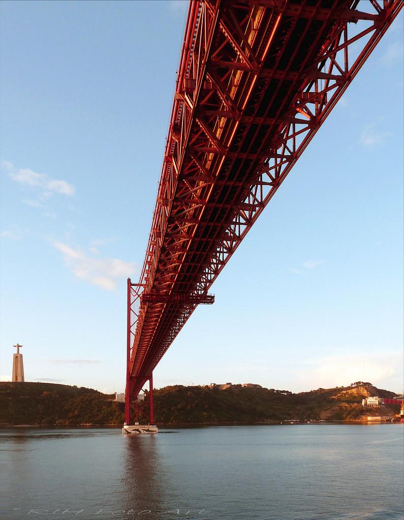 Tejo Brücke  Lissabon  Portugal