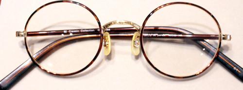 NHK朝の連続ドラマ『あまちゃん』松田龍平さん演じる水口琢磨(ミズタク)がドラマで実際に掛けていたメガネ