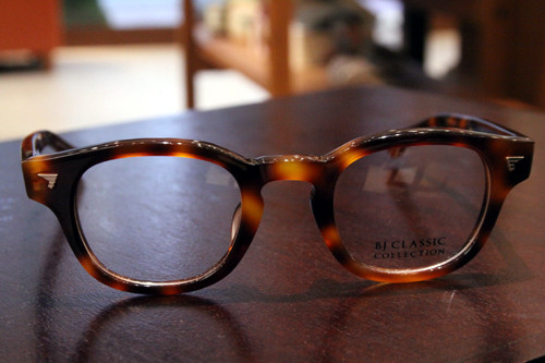 BJ Classic Collection P-551 col.55(ハバナ) 44□23-143 ¥24,000 + tax 素材:アセテート