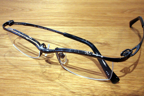 KazuoKawasaki MP-692-21 col.36(シャイニーグラファイト) ¥32,400(税込)