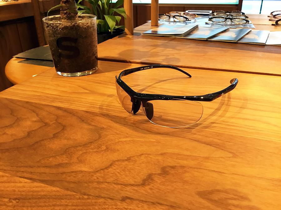 RH851S-57JS col.ブラック lens.NXTハード/クリアグレー調光  ¥28,000+tax