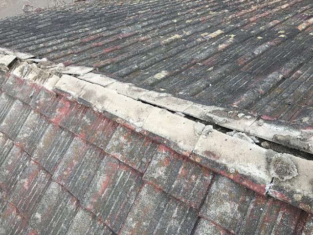 屋根リフォーム 杉皮材 瓦桟木 瓦を捲ると