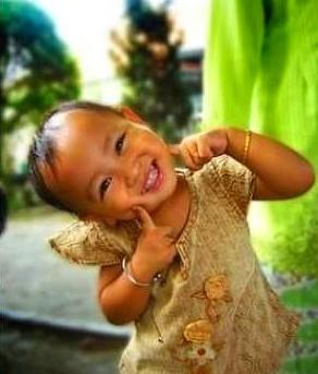 """""""Savoir sourire : quelle force d'apaisement, force de douceur, de calme, force de rayonnement"""". G. de Larigaudie. Massages à Cannes/Cannet avec """"A à ZEN Massages"""". Semaine et week-end sur rendez-vous."""