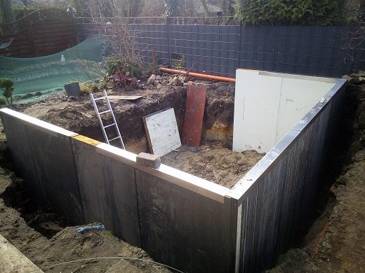 Schneller Teichbau mit Sandwichplatten besser als Teich selber bauen