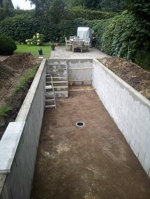 Stufen Treppen für Gartenteich bauen Stufenanlage im Teich anlegen