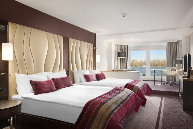 Hilton Vienna Danube Waterfront, Chromojet Teppich