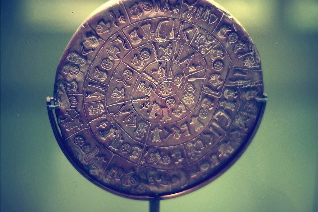 Diskos von Phaistos (Arch. Museum Heraklion)