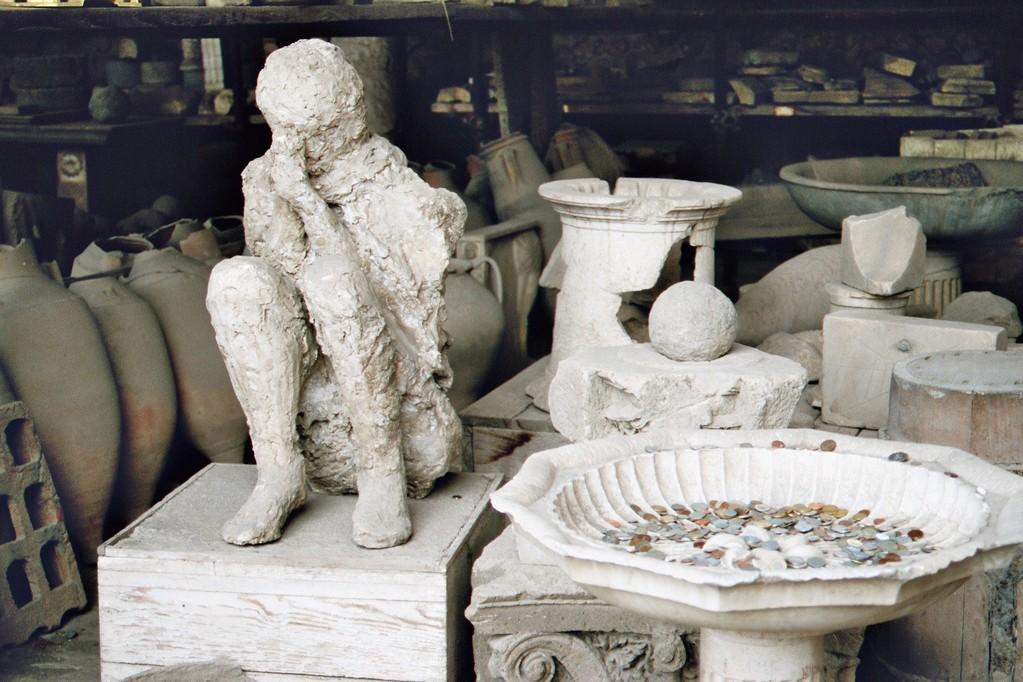 Pompeji, Forum (Werkstätte), Hohlraum-Ausguß eines Leichnams