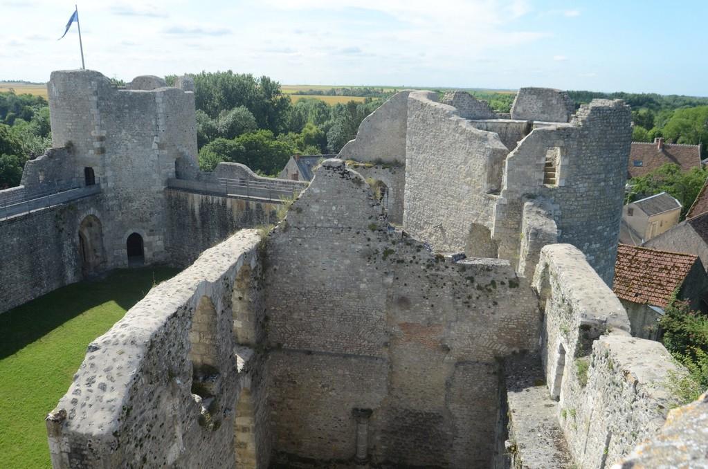 Burg Yèvre-le-Châtel