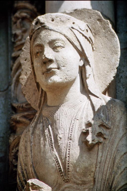Kathredrale von Chartres, Westfassade, Königin von Saba (?)