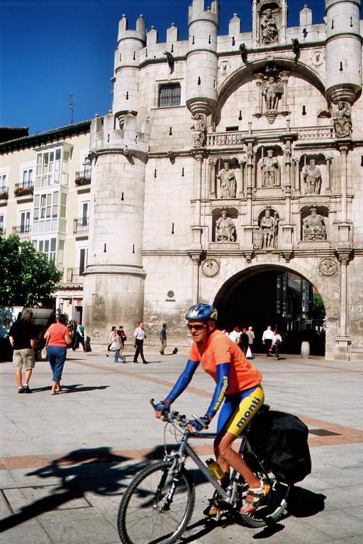 Burgos, Arco de Santa Maria