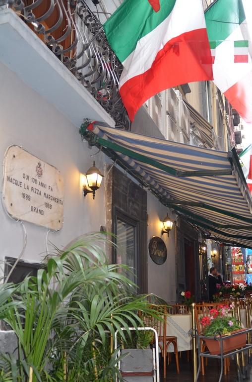 Neapel, Pizzeria Brandi (Ursprung der Pizza Margherita)