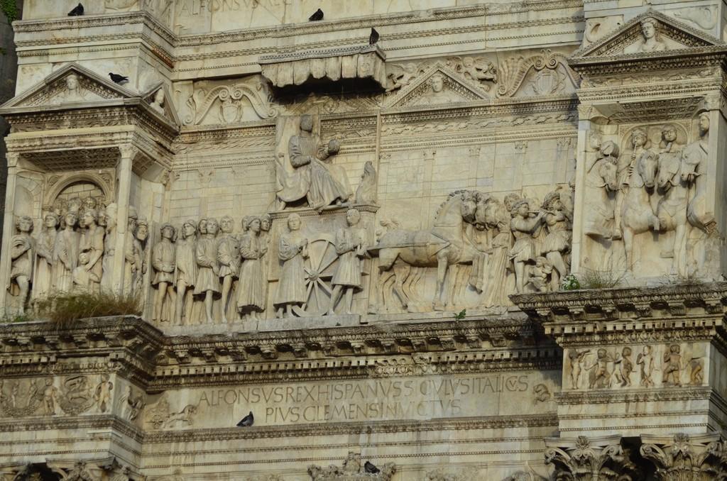 Neapel, Castello Angioino, Portal