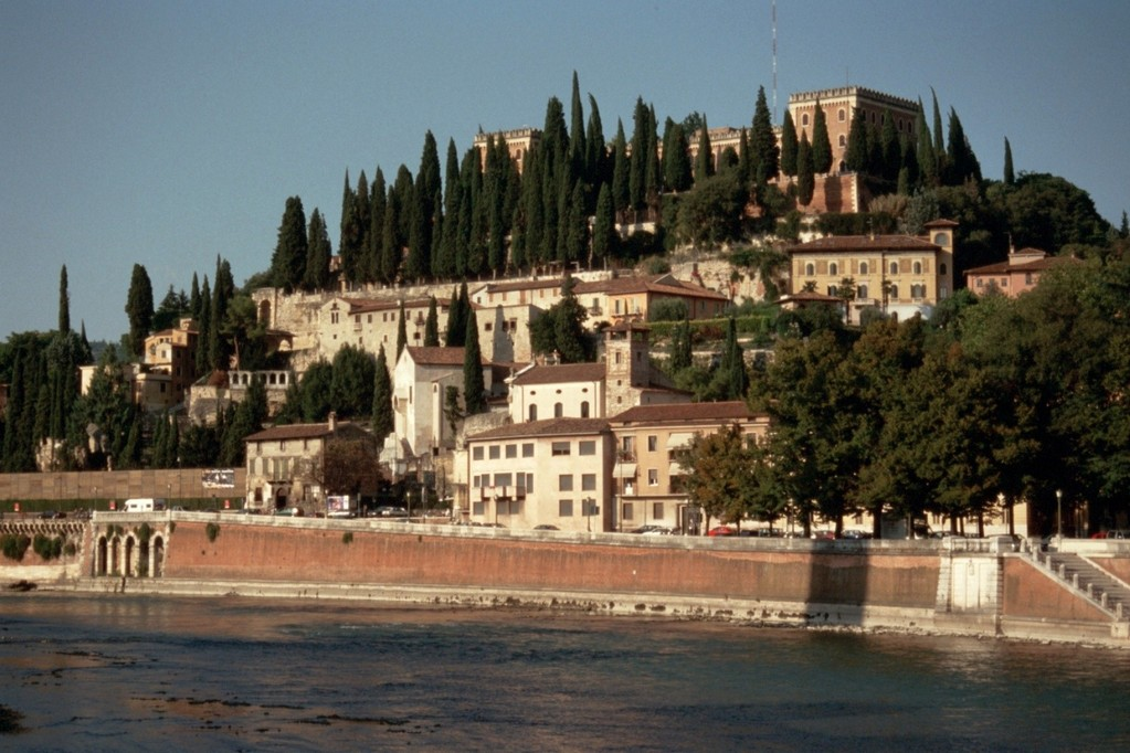 Verona, Hügel San Pietro