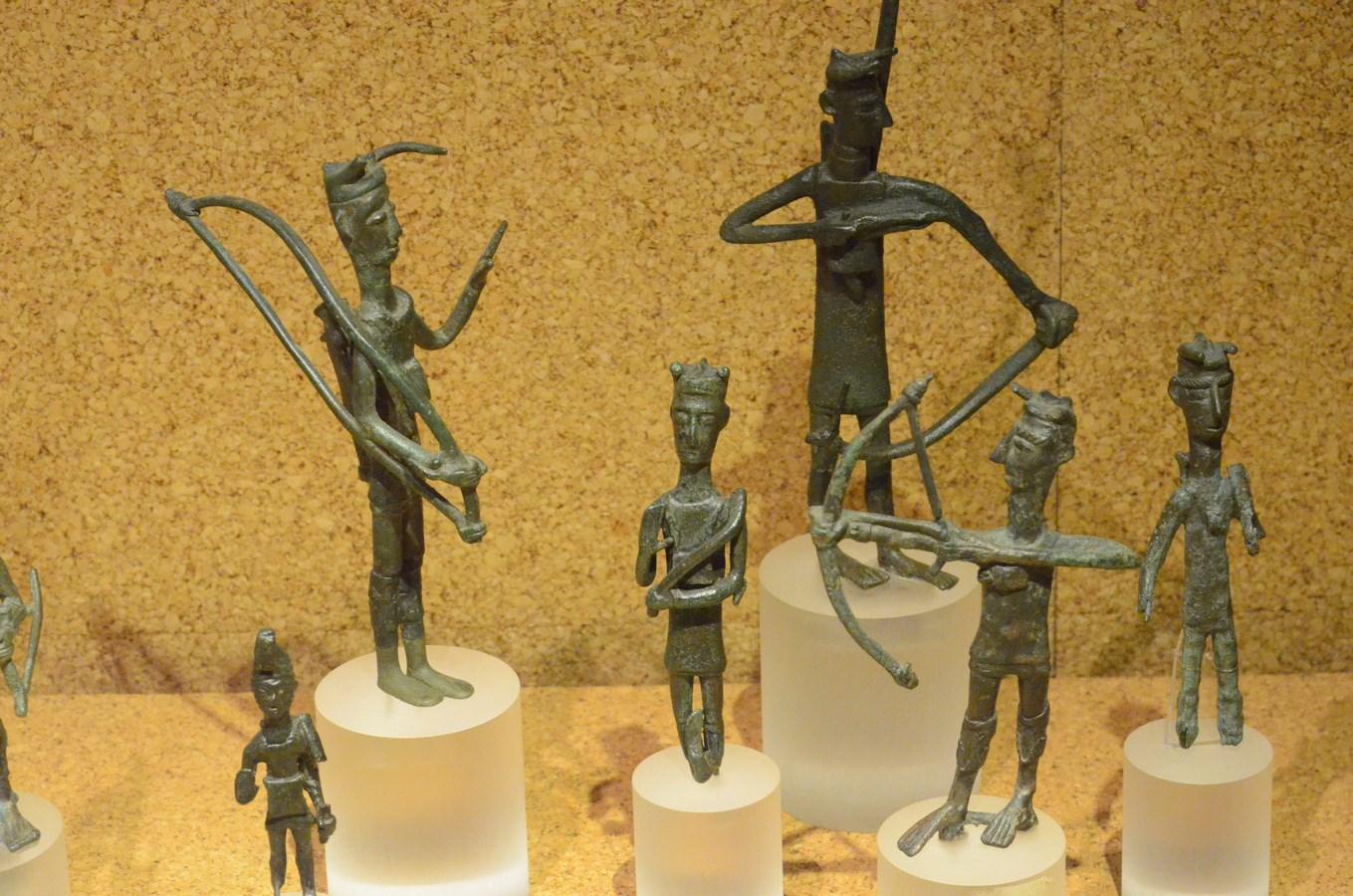Cagliari, Archäologisches Museum, Kleinskulpturen der Nuraghenleute