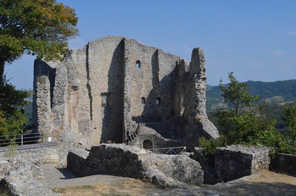 Canossa, Ruine der Burg