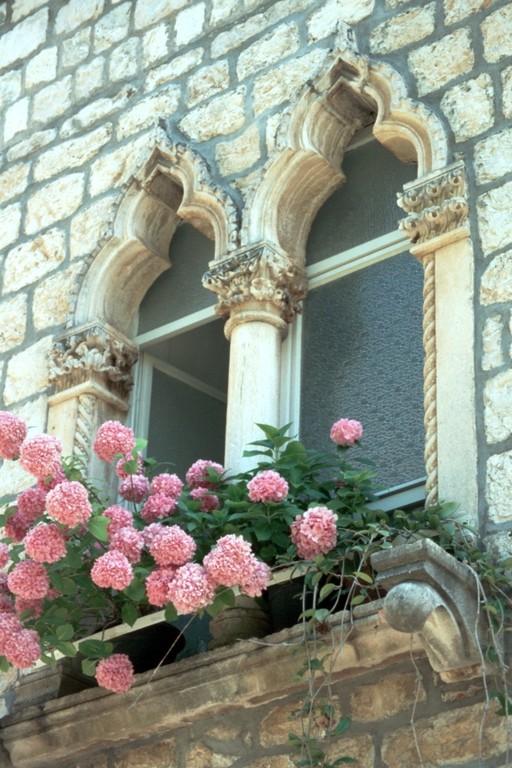 Hvar-Stadt, Venezianische Fenster