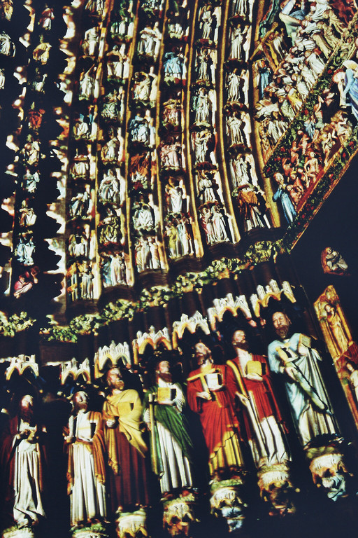 Amiens, Kathedrale, Hauptportal (Apostel) farbrekonstruiert