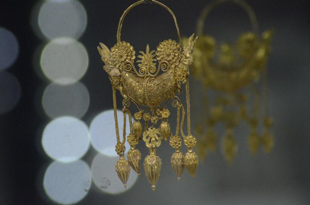 Goldschmuck aus Tarent, 3. Jh. v.Chr. (Tarent, Archäologisches Nationalmuseum)