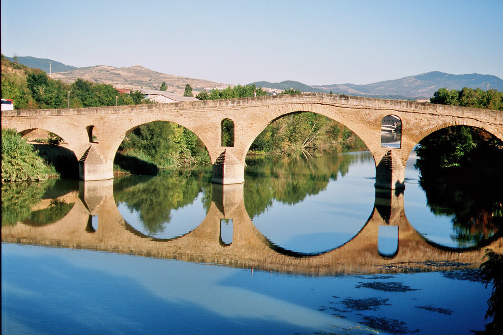 Puente la Reina, Brücke (11. Jh.) über den Rio Arga