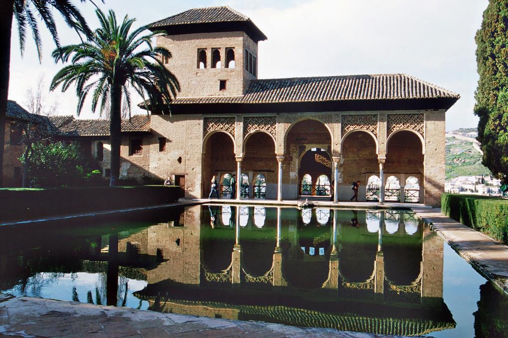 Granada, Alhambra, Portikus-Palast