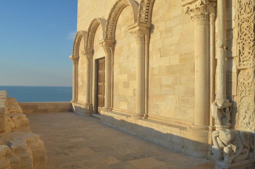 Trani, Kathedrale S. Nicola Pellegrino, Detail der Westfassade