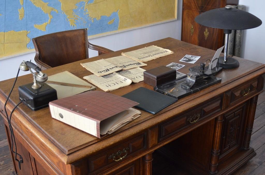 Krakau, Museum Oskar Schindler, Schreibtisch Schindlers