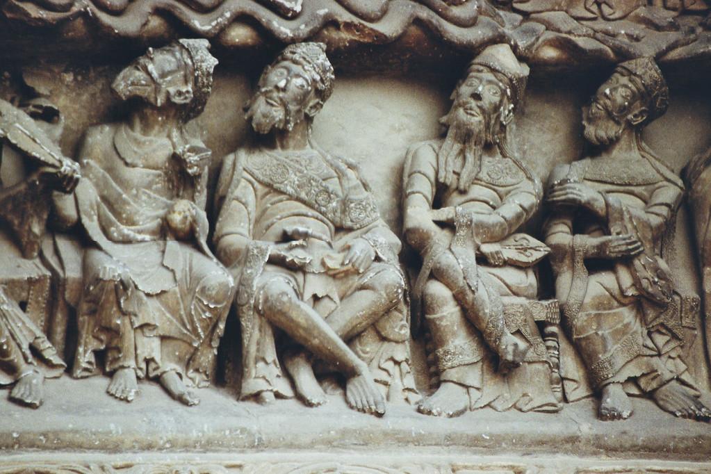 Moissac, Tympanon, Älteste der Apokalypse
