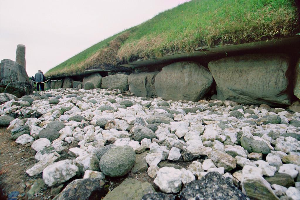 Knowth, Hügelgrabanlage (4. Jt. v.Chr.)