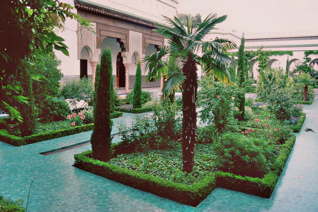 Große Moschee, Garten