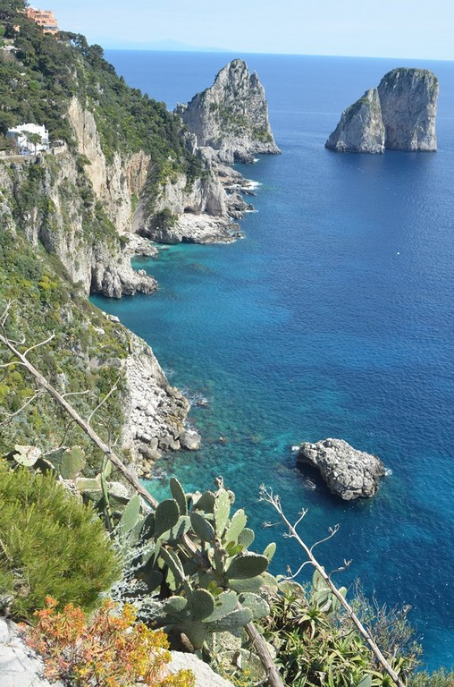 Capri, Westküste mit Faraglioni-Felsen