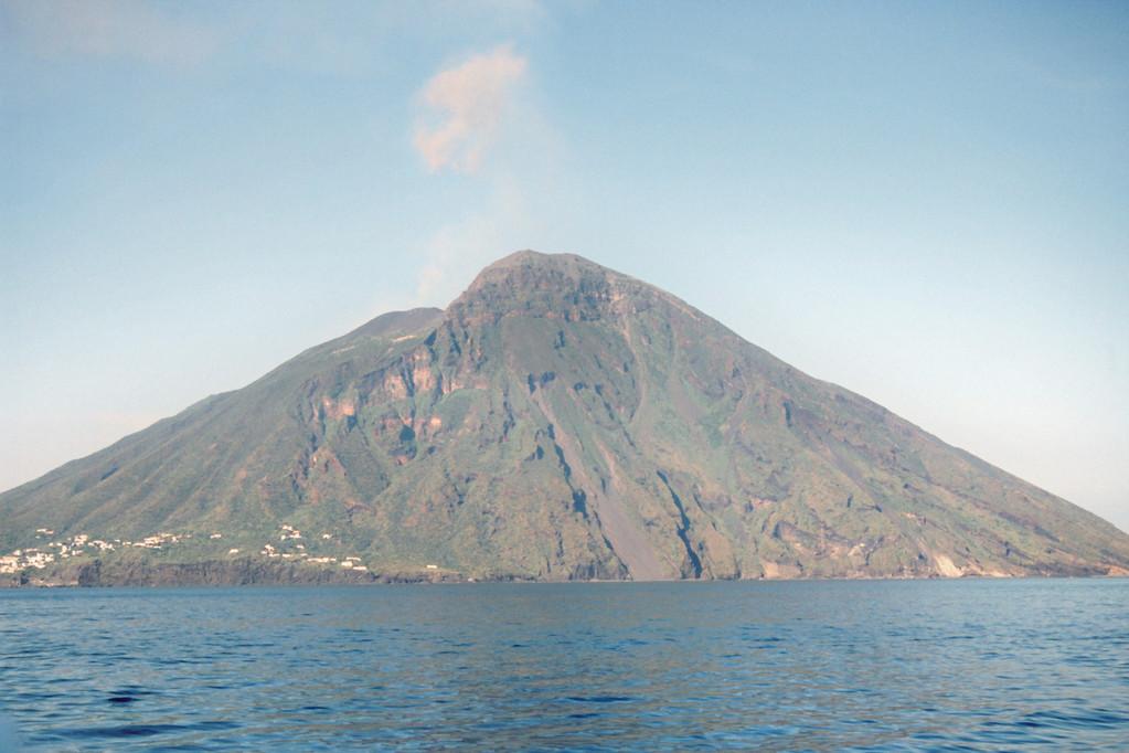 Stromboli, Eruption 1