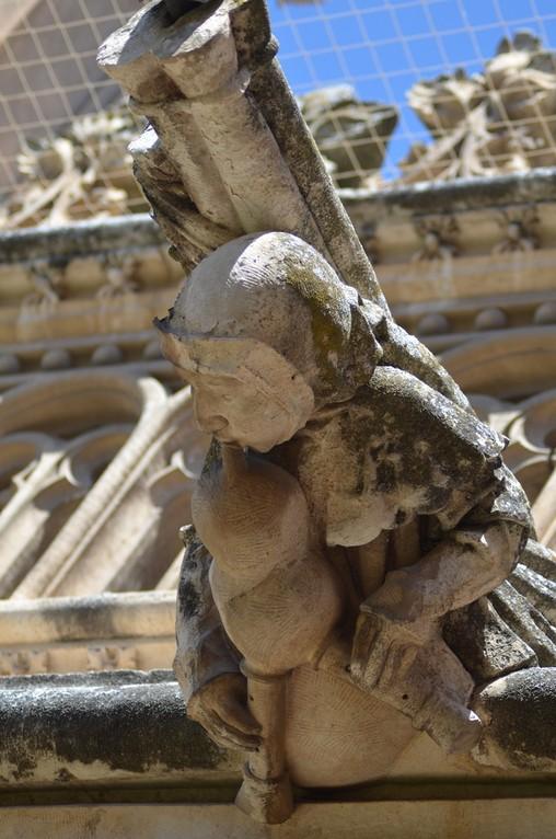 Dudelsackspieler (Toledo, Kloster San Juan de los Reyes, 16. Jh.)