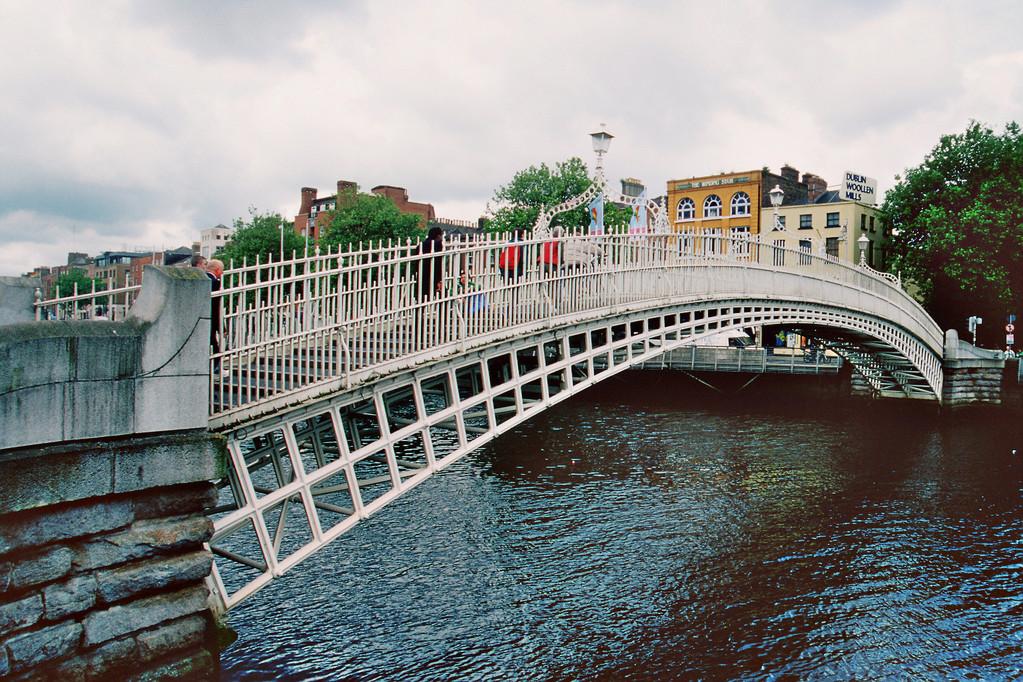 Dublin, Halfpenny-Bridge